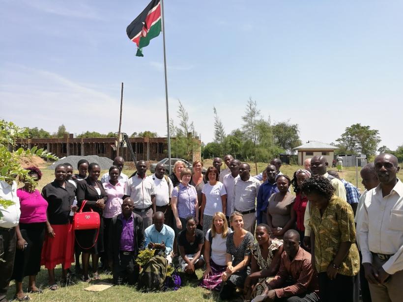Alla samlade; de kenyanska lärarna tillsammans med TAB-lärarna.